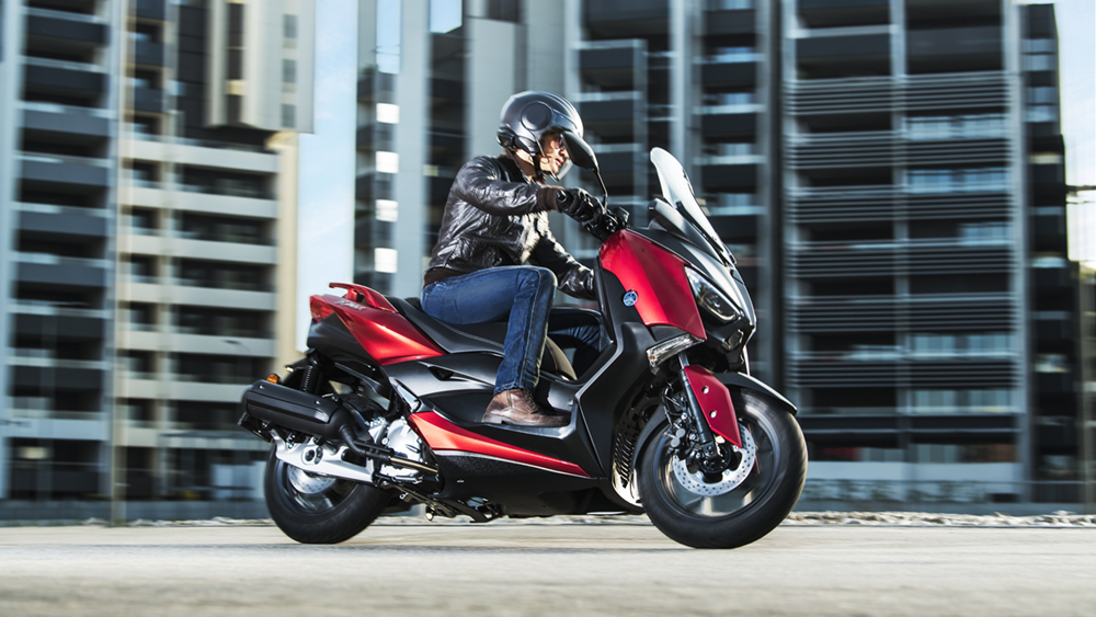 2018 YAMAHA X-MAX 125 Radical Red