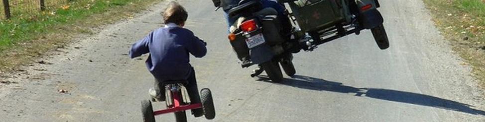 Faterok motoron – apukák liveja